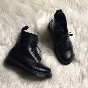 Dr. Martens 1460 smooth black combat boots